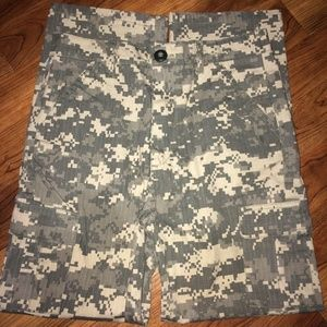 Youth Trooper Army Uniform (Pants & Shirt) MED.